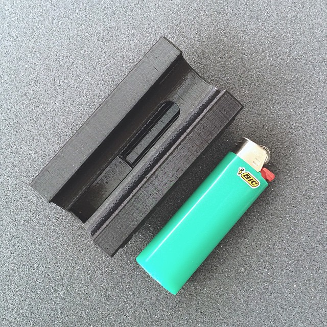 The Smokesnap was one of my first finalized designs, and still one of the most useful, if only I smoked. But you can! Holds 7 cigarettes and stays closed with your lighter. Available on my site for $9 #3DPrinted #3DPrinting #3DBrooklyn #Cubify #Design #Smokesnap #ProductDesign