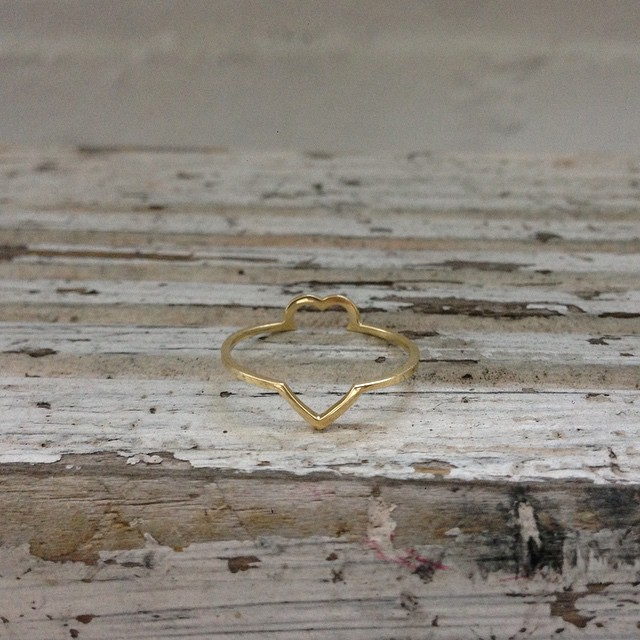 A ❤️ for @jessifrederick. Must look straight on to see. Early birthday present 🎉🎊    #3DPrinted #3DPrinting #3DBrooklyn #Shapeways #Design #Jewelry #Heart