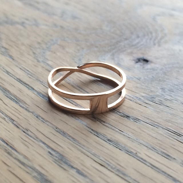 The Mobius ring is reversible! Available from Shapeways now    #3DPrinted #3DPrinting #3DBrooklyn #Shapeways #Design #Brooklyn #ProductDesign #JewelryDesign #Mobius #RoseGold