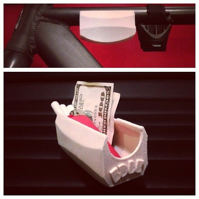 tbt | mini bike cargo case that i've been meaning to work on again #3DPrinted #3DPrinting #3DBrooklyn #Cubify #Design #Brooklyn #ProductDesign #fixie #fixieporn #bike #trackbike