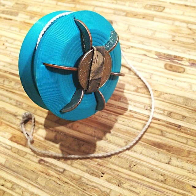 #tbt shot of my flat-pack emergency yoyo that assembles with pocket change – even a dollar bill axle 💸💸 #3DBK #3DBrooklyn #3Dprint #3Dprinter #3Dprinted #3Dprinting #Cubify #Cube #3Dsystems #Invent #Makerbot #Thingiverse #Design #ProductDesign #yoyo #ToyDesign #Emergency