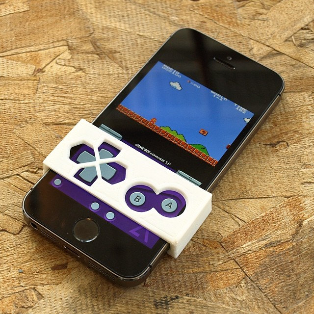 Feel the buttons! Snap on faceplate for playing gameboy roms on any iphone! Check out GBA4iOS #gba4ios #gameboy #thingiverse #3dprinter #3dprinted #3dprint