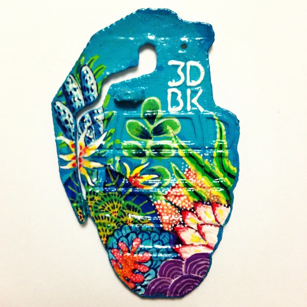 Awesome collaboration with my sister on my 3D printed grenade carabiner. #3D #model #3Dprinter #3dprinted #cubify #3dsystems #makerbot #thingiverse #love #instamood #picoftheday #igers #beautiful #design #instagramhub #iphoneonly #igdaily #bestoftheday #instadaily #instagood #brooklyn #custom #nyc #peace #grenade #aqua #underwater #reef
