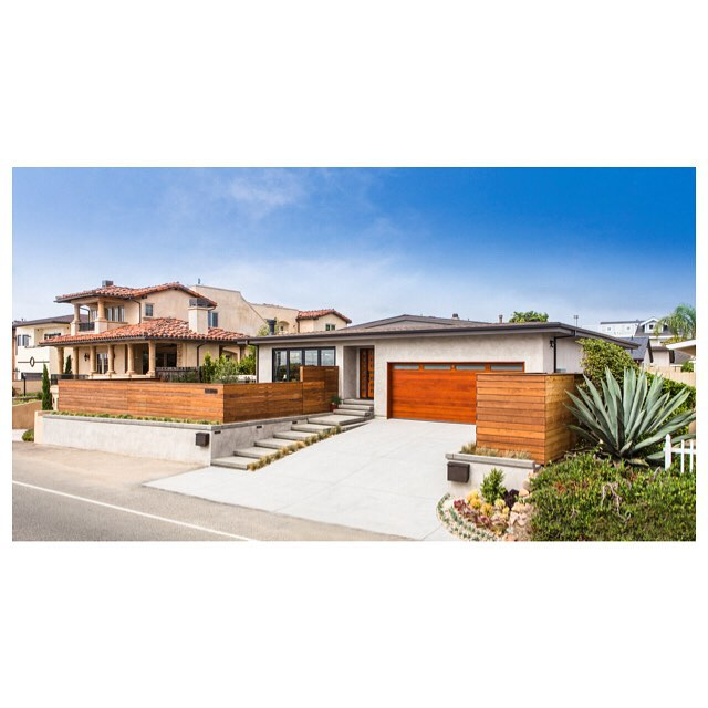 Built from the ground up by the @trueformbuilders team. #ENCINITAS #leucadia #sandiego #architecture #construction #horizontalfencing #homedesign #startedfromthebottomnowwerehere