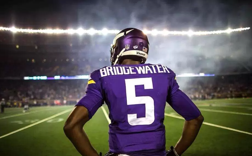 We are all rooting for Teddy Bridgewater after his unexpected knee injury.