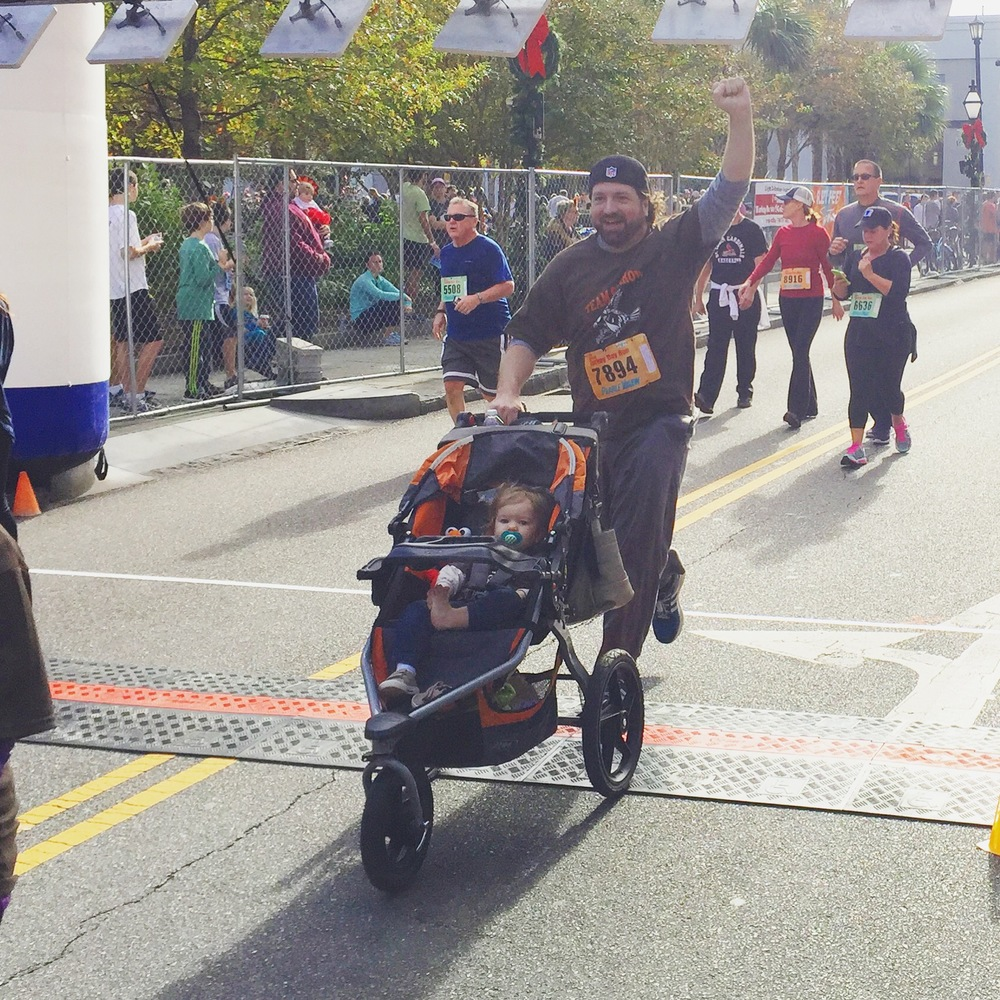turkey-day-run-finish-line