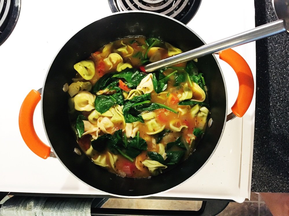 Delicious Spinach and Tomato TortelLIni Soup
