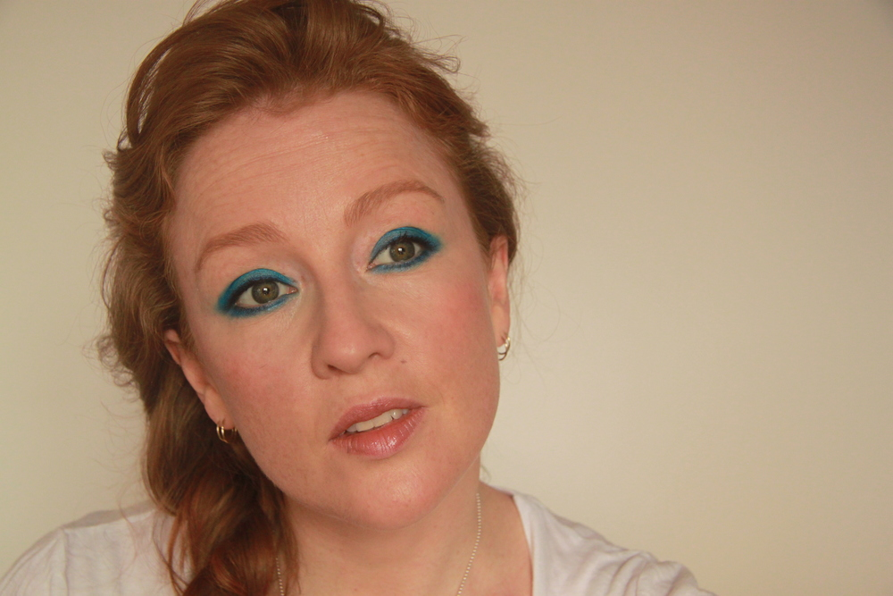 blue-eye-makeup.JPG