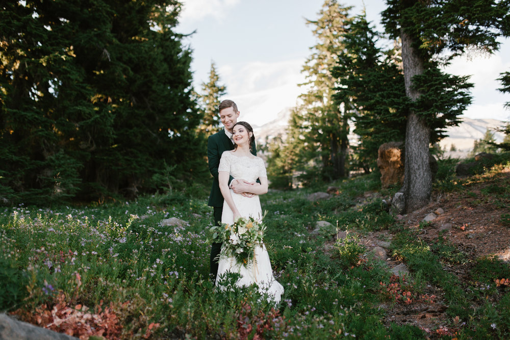 STEVEN + EMILY - MT HOOD, OREGON WEDDING