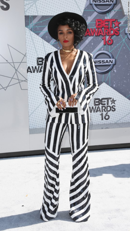 160626200908-01-bet-awards-super-916.jpg