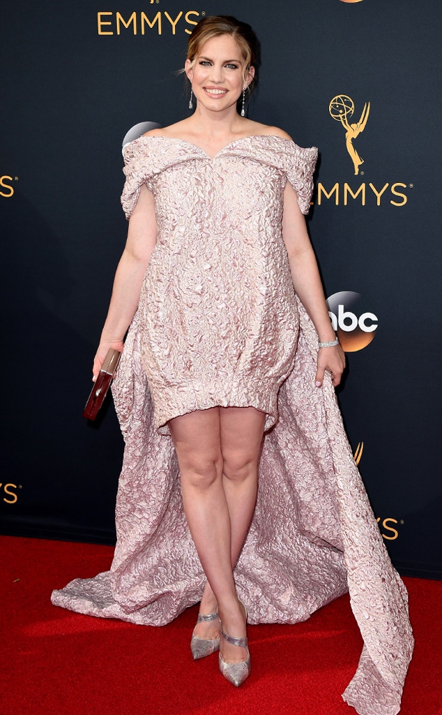 rs_634x1024-160918163802-634-anna-chlumsky-emmy-awards-2016.jpg
