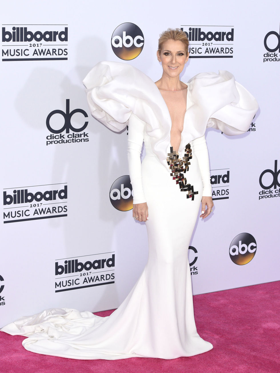celine-dion-billboard-awards-2017.jpg