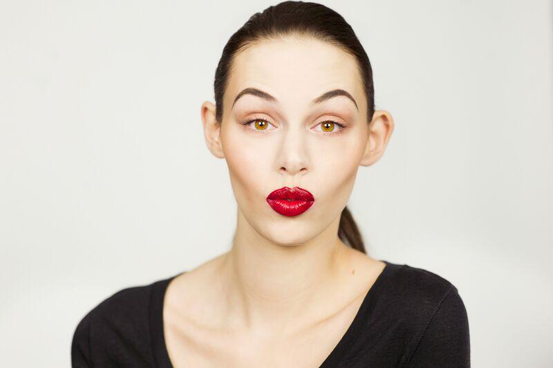 eclipse liquid eyeshadow .highlight contour duo & liquid illuminator in champagne . waterproof lip liner in maraschino . flawless lipstick in burlesque . liquid lipstick in code red