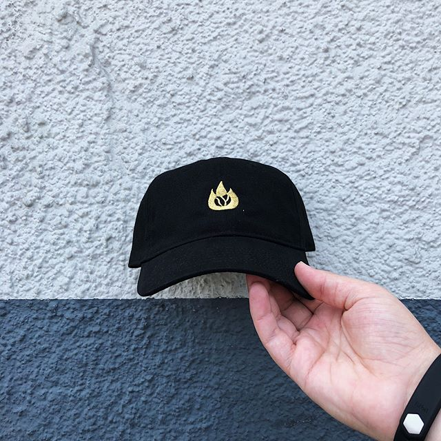 New drop + Restock New: Dad hat with the gold flame. Reup: Old E Coffee in blk/wht and blk/gold flipped. All with the new Coffee Should Be Dope (CSBD) label on the back.  In store + Online - DeadstockCoffee.com #coffeeshouldbedope #dadhat #snapback #c🔥ffee #deadstockcoffee