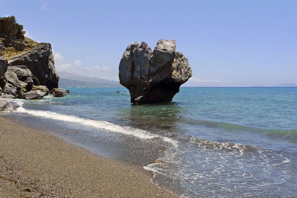 Rock-in-the-Beach.jpg