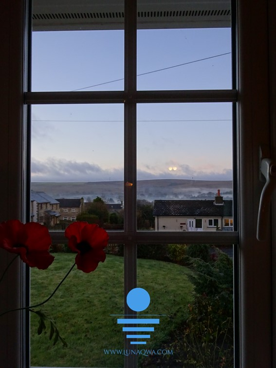 Window on the World - UK-003 - LARGE