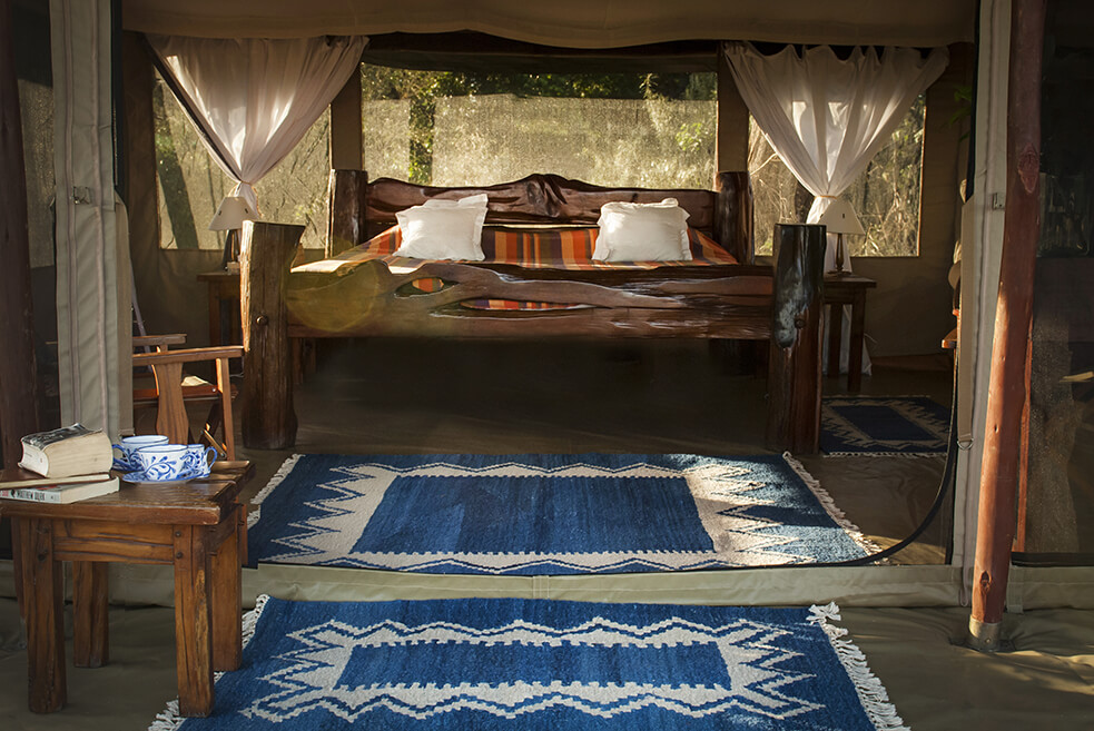 En suite tents with large king size beds