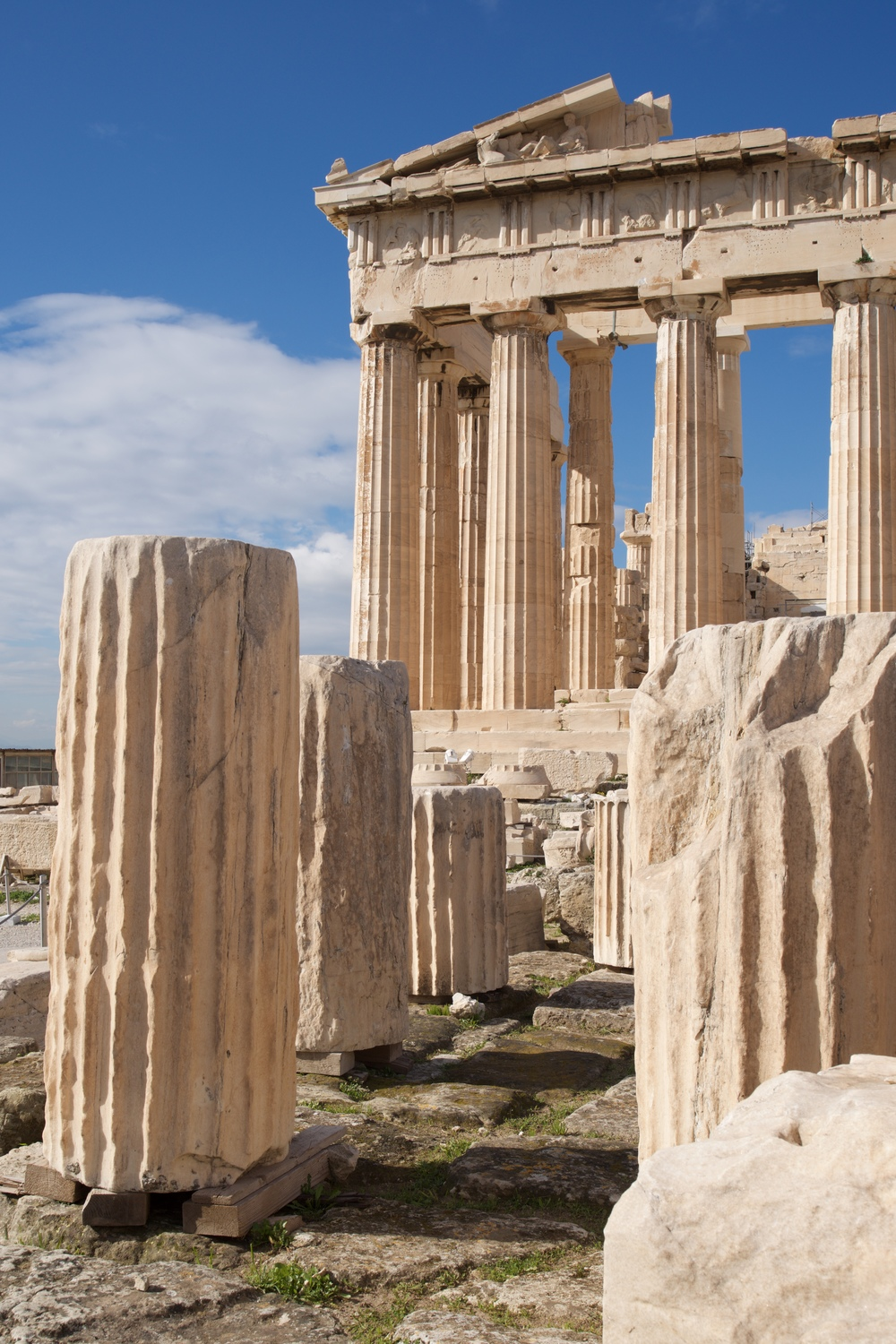 Ruined marble columns in front of Parthenon.jpg