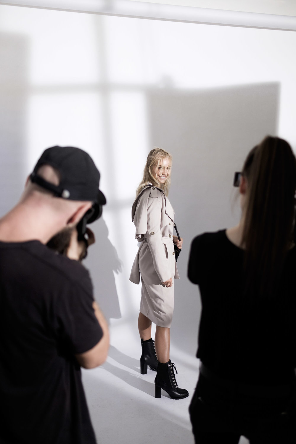 Witchery White Shirt - BTS Elyse Knowles-03-27__Z013063.jpg