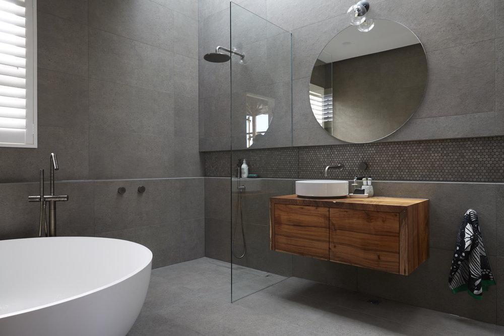 H5 RM1 Bathroom Josh & Elyse-05.jpg