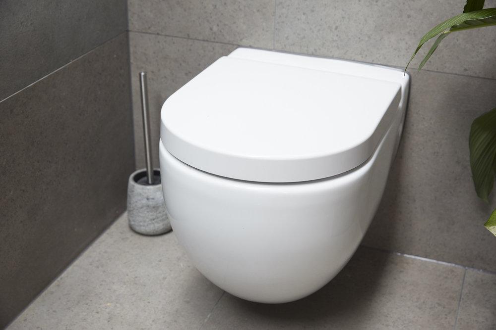 H5 RM1 Bathroom Josh & Elyse-16.jpg