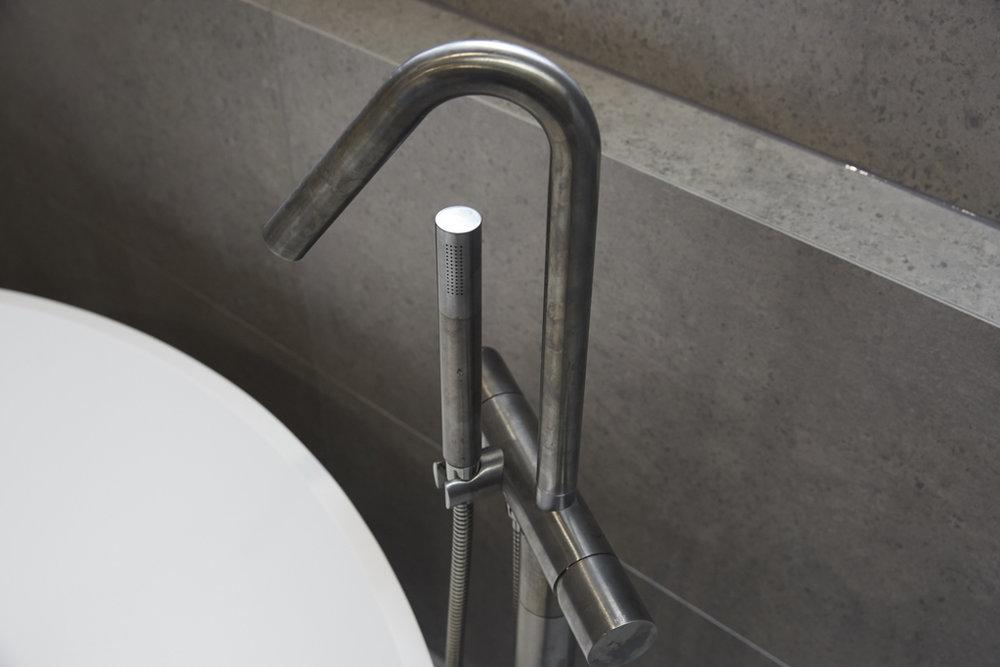 H5 RM1 Bathroom Josh & Elyse-38.jpg