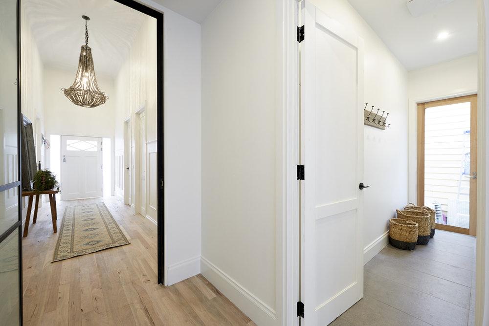 H5 RM8 Hallway _ Laundry Josh _ Elyse-16.jpg