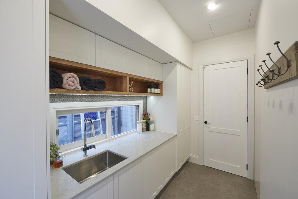 H5 RM8 Hallway _ Laundry Josh _ Elyse-29.jpg