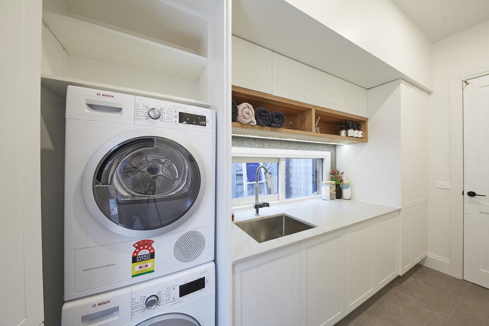 H5 RM8 Hallway _ Laundry Josh _ Elyse-30.jpg