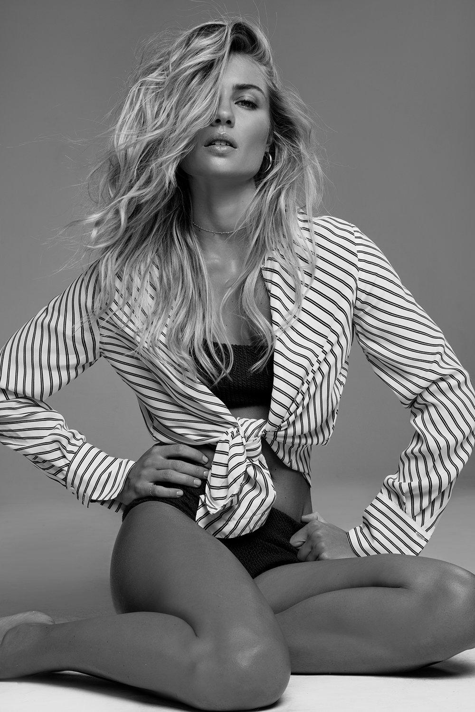 Elyse Knowles by Bonnie Hansen