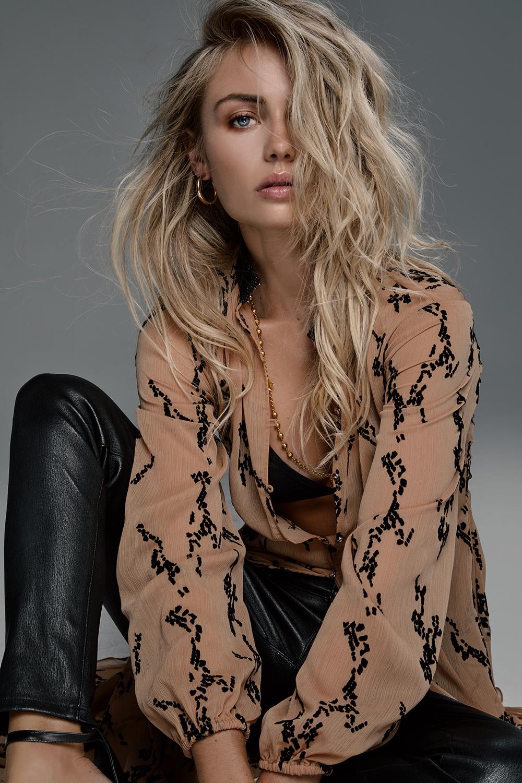 Elyse Knowles 5.jpg