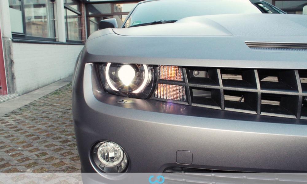 autofolierung-car-wrapping-8-vollfolierung-grau-teilfolierung-carbon-dach-motorhaube-chevrolet-camaro-2013-04-15-2.jpg