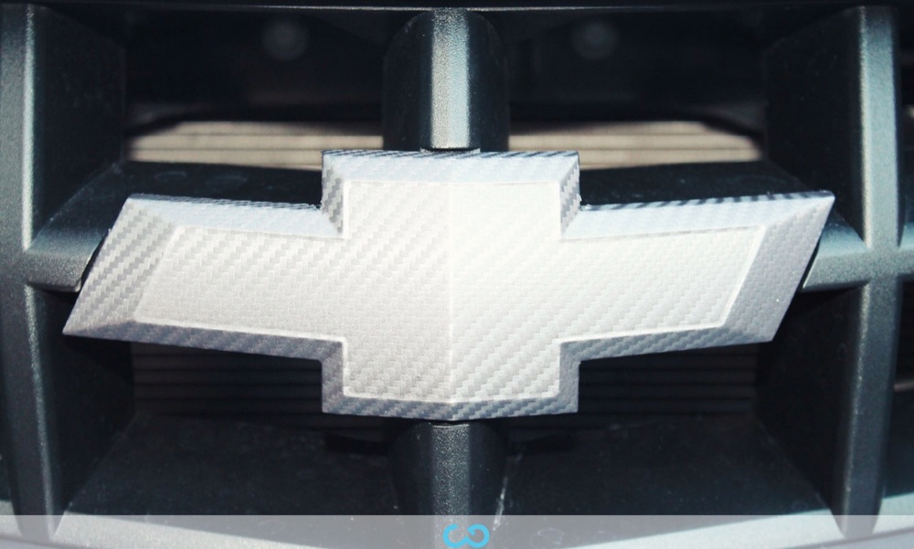 autofolierung-car-wrapping-8-vollfolierung-grau-teilfolierung-carbon-dach-motorhaube-chevrolet-camaro-2013-04-15-4.jpg