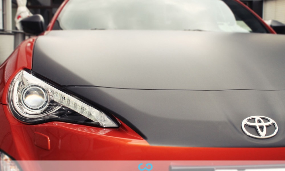autofolierung-car-wrapping-19-teilfolierung-motorhaube-toyota-gt-86-2014-04-14-4.jpg