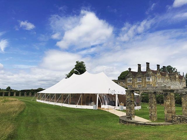 Couldn't be a more beautiful day for it. Right now going out of the kitchen are Dorset crab doughnuts with dill pickles, smoked steak tartare, and sea trout with caviar amongst other canapés. We love a wedding.