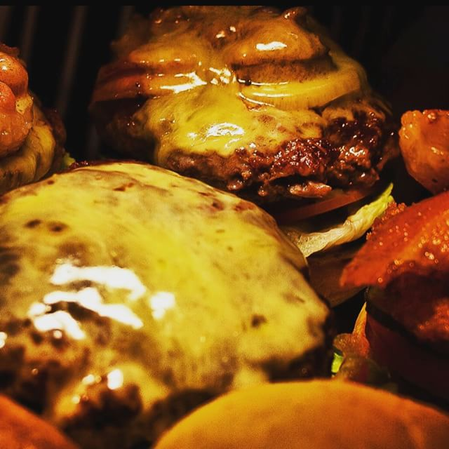 It's our last Friday as BMB! head on down and grab a tasty burger!  Let us know what your favourite thing is on our menu! #nomnomnom #2daystogo #lastfriday 🍔🍟👍