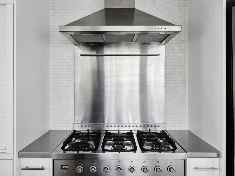 gas cooktop + stainless steel appliances