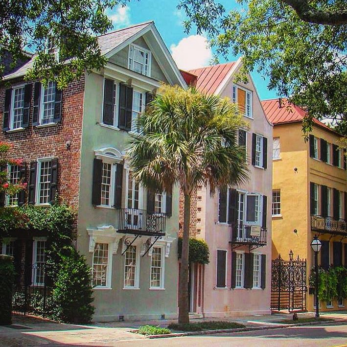 Top Ten Charleston Instagram Accounts: View Edition