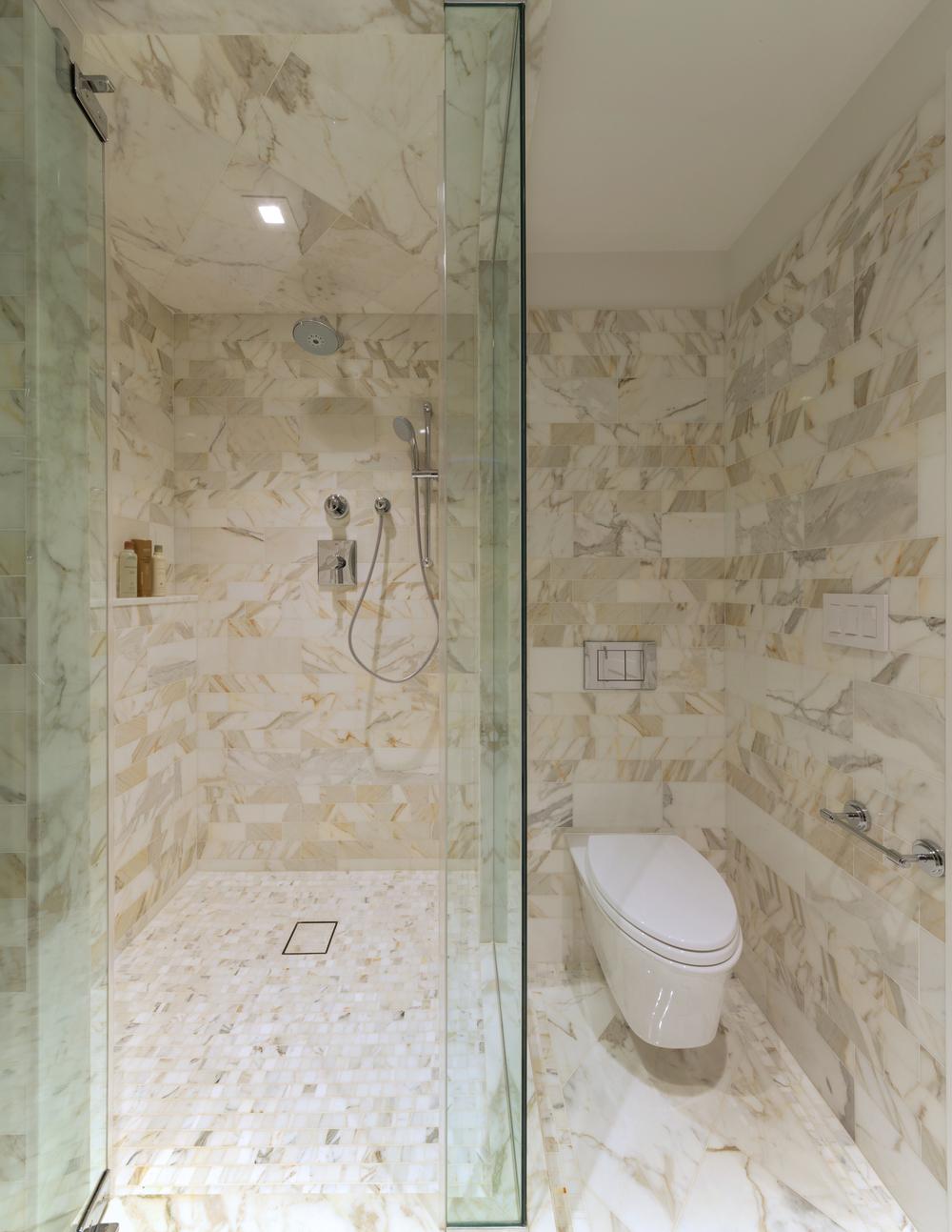 2 301 E 62 Master showerSSFB.jpg
