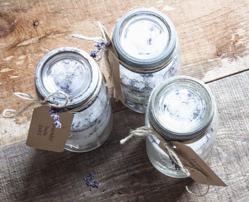 DIY-mason-jar-gift---lavender-bath-salts.jpg