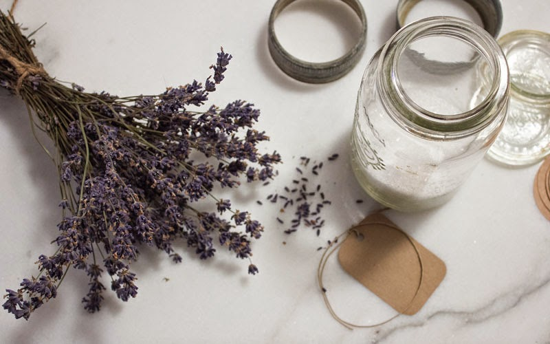 DIY-natural-lavender-bath-salts.jpg