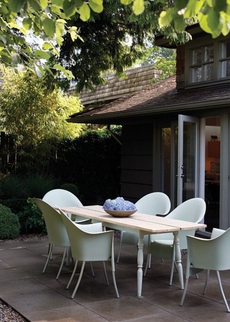 repurposed+outdoor+dining+table.jpg