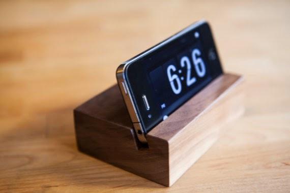 wooden%2Bhandmade%2BiPhone%2Bstand.jpg