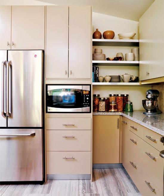 corner+storage+in+kitchen.jpg