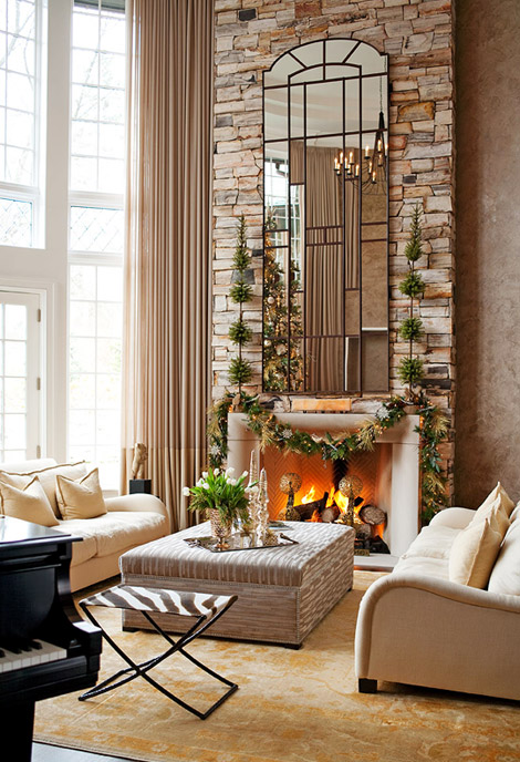 holiday+mantle+decorating.jpg