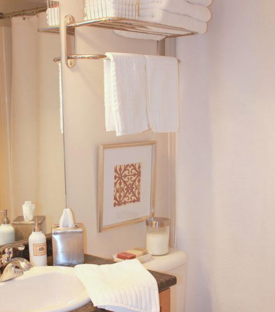 small-bathroom-refresh---be.jpg
