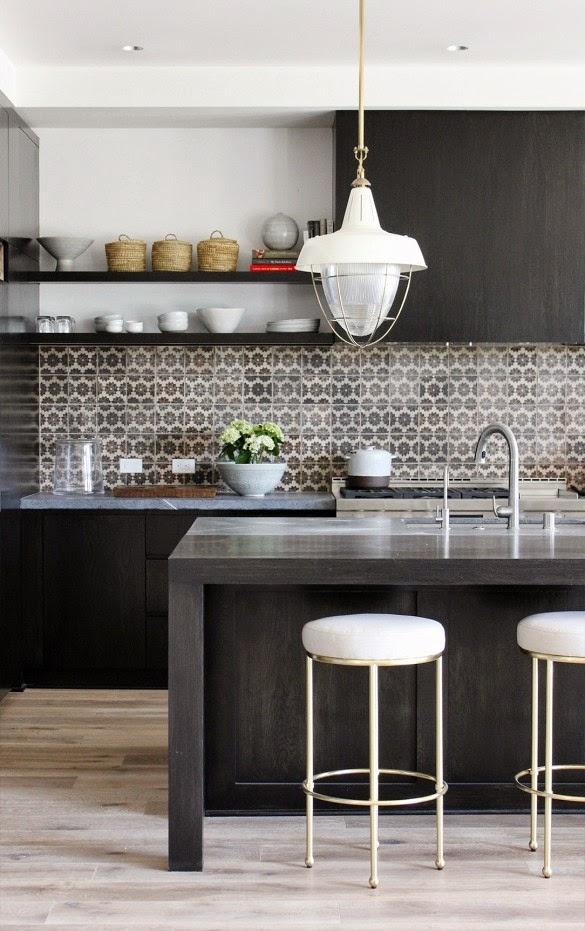 Picking A Kitchen Backsplash: 4 Steps To Choosing A Kitchen Backsplash