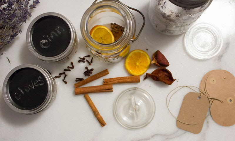 homemade-natural-holiday-scent.jpg