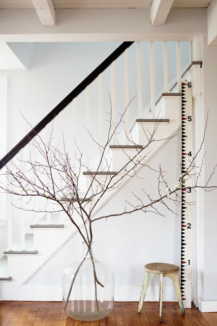decorating+with+branches+4.jpg