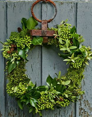 Evergreen+Leaf+Natural+Christmas+Fall+Holiday+wreath+via+COuntry+Living.jpg